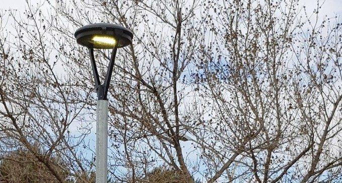 Xirivella renova amb llums LED els voltants dels camps de futbol municipals