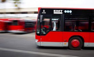 En estado crítico al ser atropellado por un autobús de EMT junto a la Fe