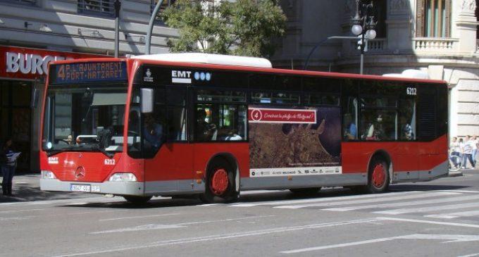 Un bus de l'EMT dóna veu als veïns de Natzaret