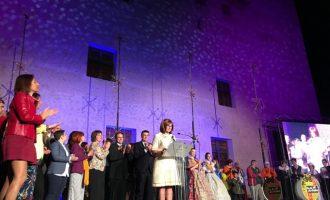Alaquàs se viste de gala con su Cabalgata Cívica en el centenario del Castillo
