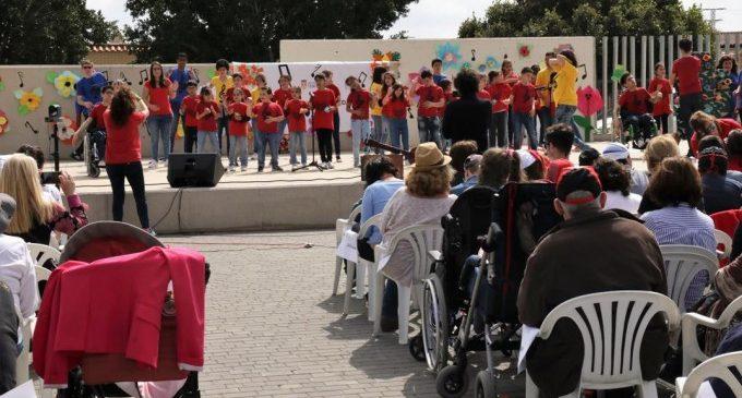 Més de 500 persones gaudeixen en el Parc Central del V Festival Música i Solidaritat