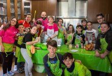 """El taller de cuina en anglès de Mislata es renova amb un format similar al de """"MasterChef Junior"""""""