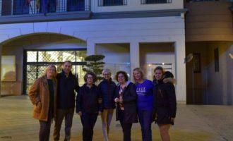 Quart de Poblet es va sumar a la campanya de sensibilització amb l'Autisme il·luminant de blau la façana de l'Ajuntament