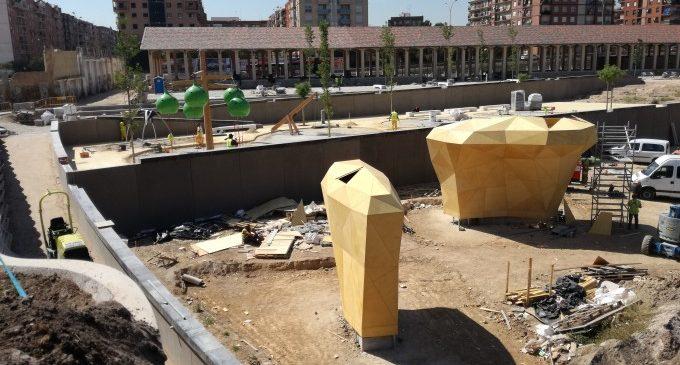 Rocòdrom i ping pong en el Parc Central de València