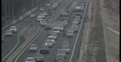 Un accident provoca fins a 20 quilòmetres de retencions en la Pista de Silla i la V-30