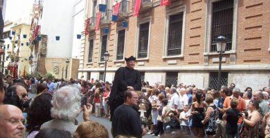 Danses històriques en la Cavalcada del Convit