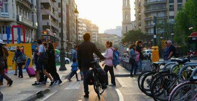La gran fira de la bici en els Jardins del riu Túria