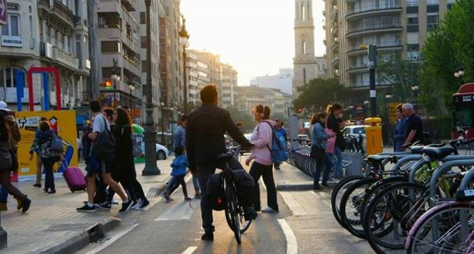 El carril bici del carrer Xàtiva bat nou rècord amb una intensitat mitjana diària de 5.663 usuaris