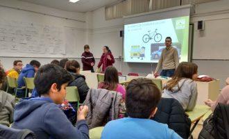 Xiquetes i xiquets de Catarroja consciencien a la ciutadania sobre la importància de mantenir net el municipi