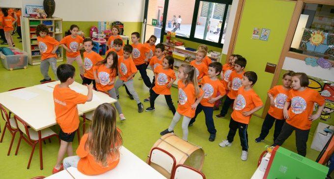 Una òpera escrita, musicada i dirigida per xiquetes i xiquets de cinc anys de Paiporta