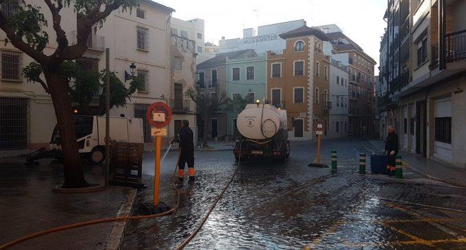 Carcaixent repeteix la neteja intensiva del centre urbà de la ciutat