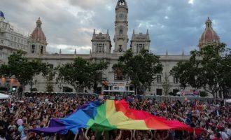 Las calles de Valencia viven el Orgullo más multitudinario de su historia