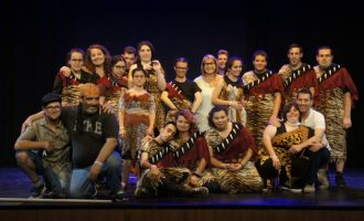 """El grup de teatre de diversitat funcional estrena la seua obra """"Fora de lloc"""""""