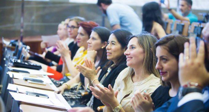 La Diputació col·labora en els primers 'Premis dones emprenedores'