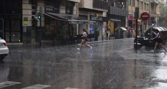 Un total de 7 províncies estaran en risc hui per pluges i tempestes, entre elles València