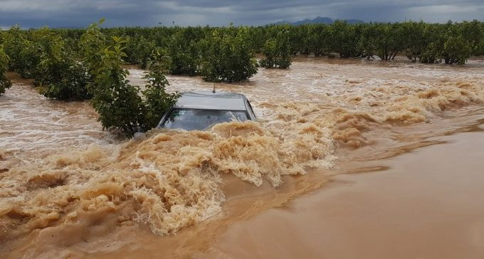 Les pluges torrencials deixen més de 100 litres a València