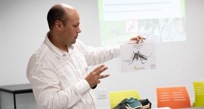 Mislata es pren seriosament les picadures del mosquit tigre amb diverses xarrades sobre la seua prevenció
