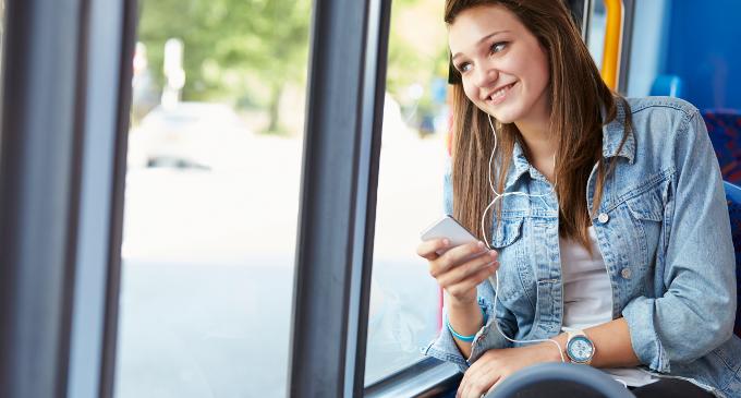 La majoria d'adolescents amaga en el seu mòbil alguna cosa als seus pares