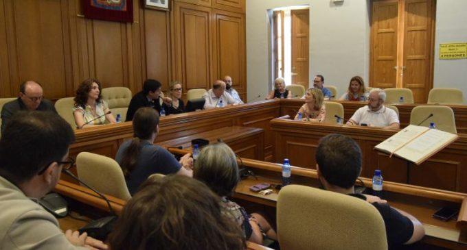 El Ple de l'Ajuntament de Burjassot aprova dues mocions i els seus festius locals per al 2019