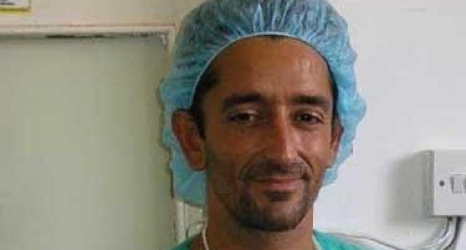 El doctor Cavadas reconstrueix una separació completa de columna vertebral i pelvis en un pacient tetraplègic