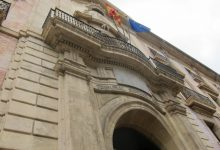 Indignació i rebuig al nou càstig del TSJCV al valencià a l'administració