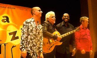 Ximo Tebar Band il·lumina el Palau de la Música amb les seues versions dels clàssics del jazz