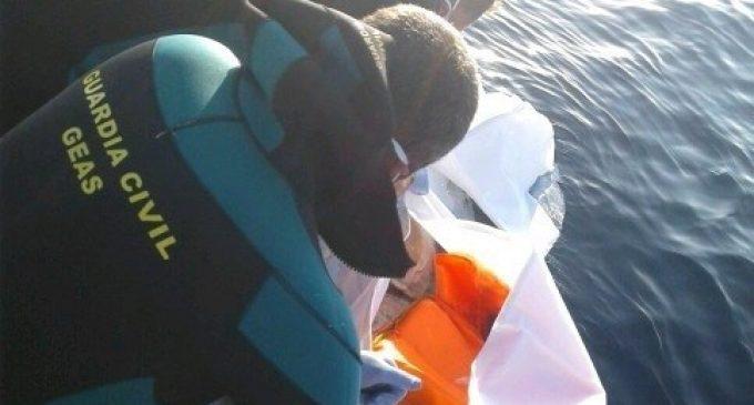 Troben en el mar el cadàver en avançat estat de descomposició d'un jove
