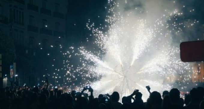 Més de 7.000 quilos de pólvora en 15 castells simultanis. La Diputació es bolca amb el sector faller