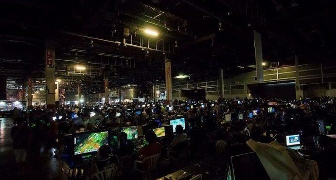 DreamHack València calfa motors per a rebre a 40.000 'gamers' i amants dels 'e-sports'