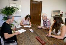Paiporta signa els convenis amb les Comparses de Moros i Cristians i amb els Festers del Gos de cara a les festes