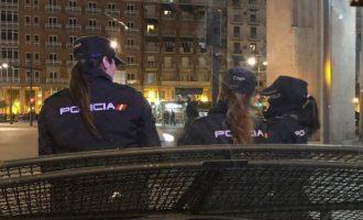 Detingut per amenaçar a diverses persones que repartien fullets religiosos en el carrer