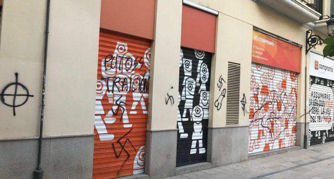 Nou atac a la seu de Compromís amb pintades feixistes