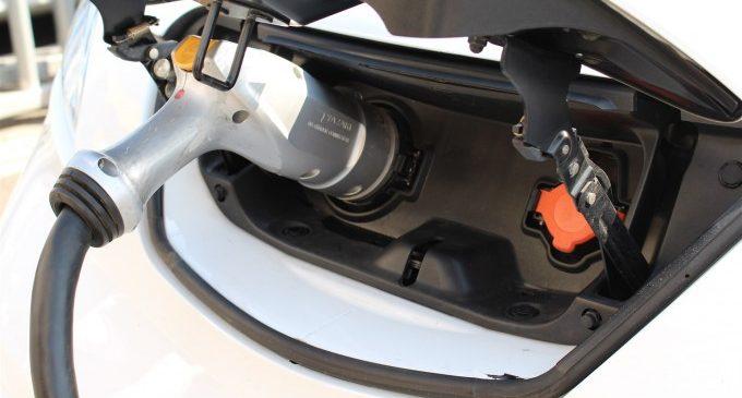 La Generalitat cobrirà fins al 80% del cost d'instal·lar punts de recàrrega de vehicles elèctrics en els municipis