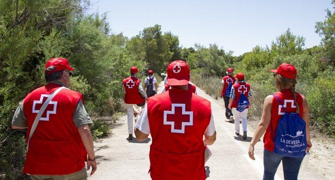 L'Ajuntament participa en la campanya de voluntariat ambiental de Creu Roja a la Devesa