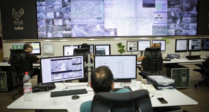 Així treballa el Centre de Gestió de Trànsit de València: 756 càmeres i 3.000 detectors per a gestionar la mobilitat