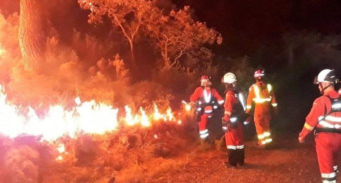 L'incendi de Llutxent arrasa ja 3.003 hectàrees