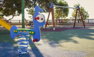 L'Ajuntament de Llíria renova l'àrea infantil del Pic