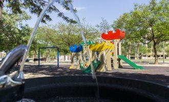 Els serveis municipals de Picassent treballen en la millora dels parcs infantils