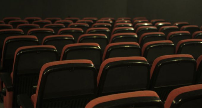 Comer o beber en los cines de la Comunitat Valenciana está prohibido