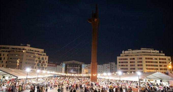 Comencen les Festes Populars de Mislata en la plaça Major