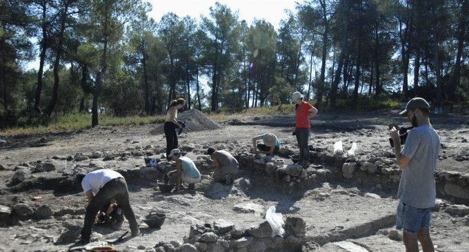 El Servei d'Investigació Prehistòrica i el Museu de Prehistòria finalitzen els treballs d'excavació a diferents jaciments