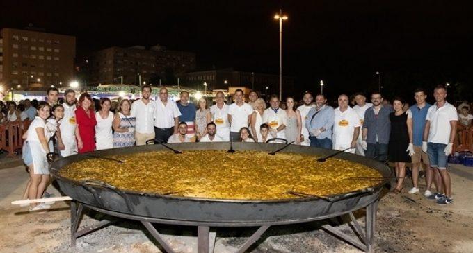 Més de tres mil racions de paella per a afrontar el segon dia de les Festes Populars de Mislata