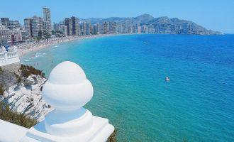 "Una turista britànica es queixa que un hotel de Benidorm estava ""ple de turistes espanyols"""