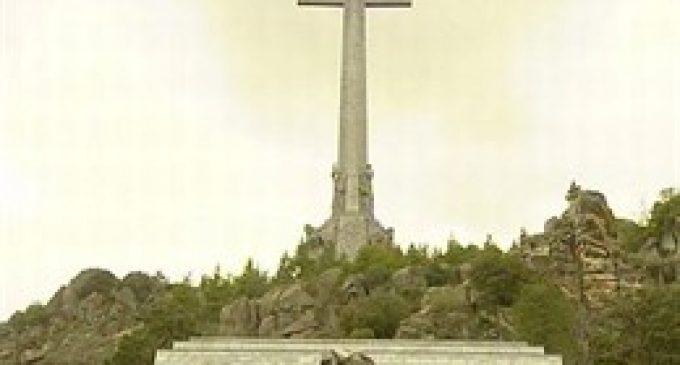 Fundació Franco repta al Govern: diu que no hi haurà exhumació i que acabarà en un contenciós administratiu