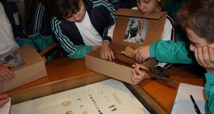 El Museu de Prehistòria rep el Premi Romà de la Calle per la seua trajectòria educativa