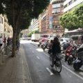 Les xarxes s'omplen de missatges per a demanar més aparcabicis als hospitals de València