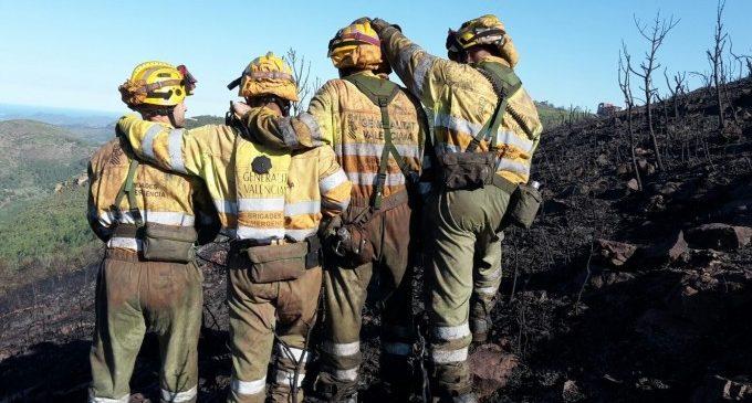 Les Corts dan luz verde a la creación de la sociedad de emergencias en la que se integrarán bomberos forestales