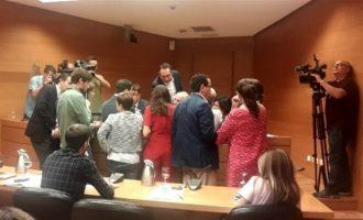 Las comisiones en Les Corts sobre Taula y financiación de PSPV y Bloc arrancan con polémica en la elección de las mesas