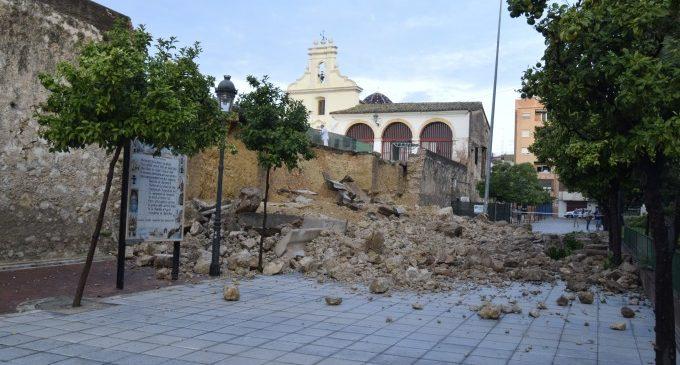 Patrimoni aprovarà un procediment urgent per a reconstruir el mur perimetral del Pati de les Sitges