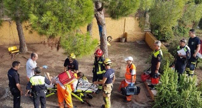 Rescatan a una anciana tras caer seis metros en un pozo y quedar sujeta a una manguera